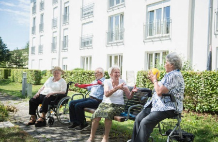 Cerco socio per aprire una casa famiglia per anziani